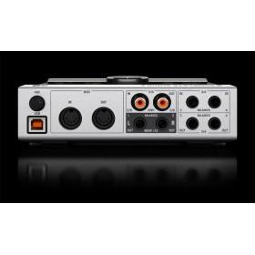 Native Instruments Komplete Audio 6 Geluidskaart aansluitingen achterkant