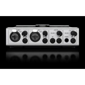 Native Instruments Komplete Audio 6 Geluidskaart aansluitingen voorkant