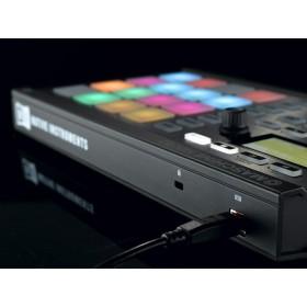 Native Instruments Maschine Mikro MKII Midi controller - achterkant usb aansluiting