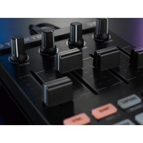 Native Instruments Traktor Kontrol F1 Pro DJ Software Controller kanaal volume faders en effecten