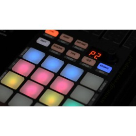 Native Instruments Traktor Kontrol F1 Pro DJ Software - knoppen en display