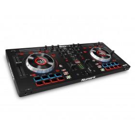 Numark Mixtrack Platinum DJ Controller met display