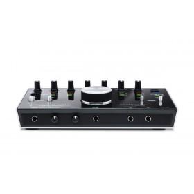 M-Audio M-Track 8x4M - 8-In/4-uit 24-bit / 192kHz USB Geluidskaard en MIDI Interface aansluitingen voorkant