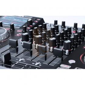 Numark NV II Digitale DJ Controller 4 kanalen mixer knoppen bediening