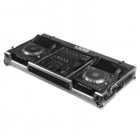 UDG Ultimate Flight Case Set Denon DJ SC5000/ X1800 Silver Plus voorkant zijkant met spelers