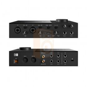 voor en achterkant Native Instruments KOMPLETE AUDIO 6 MK2 - Pro studio geluidskaart