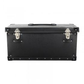 Gesloten handige zwarte koffer met vier opbergvakken voor o.a. led verlichting.