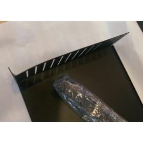 """B-Stock - Adam Hall 19"""" Parts 8757 - Rack Clamp 2 U zijkant"""