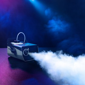 Rookoutput van de Cameo - Phantom F3 Rookmachine 950 W verwarmingsvermogen en intern verlichte vloeistoftank