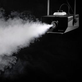 Opgehangen rookoutput van de Cameo - PHANTOM F51500 W DMX rookmachine met hoog vermogen en tweekleurige tankverlichting