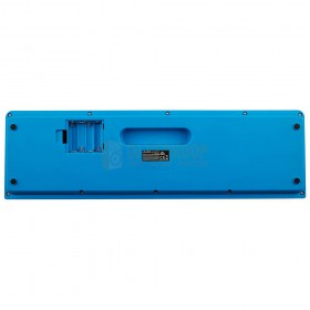 Alesis Harmony 32 - draagbaar toetsenbord met 32 toetsen met ingebouwde luidsprekers onderkant met open klepje voor de batterij