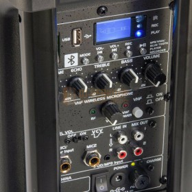 aansluitingen Ibiza Sound PORT8VHF-BT - Mobiel Pa systeem met Bluetooth en USB Speler