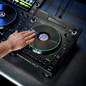 Gebruikers voorbeeld 2 Denon DJ LC6000 Prime - Performance uitbreiding controller