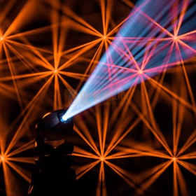 Cameo AURO® SPOT Z300 - LED Spot Moving Head  show 4