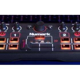 Numark Dj2Go2 Compacte DJ Controller met Serato DJ - detail midden